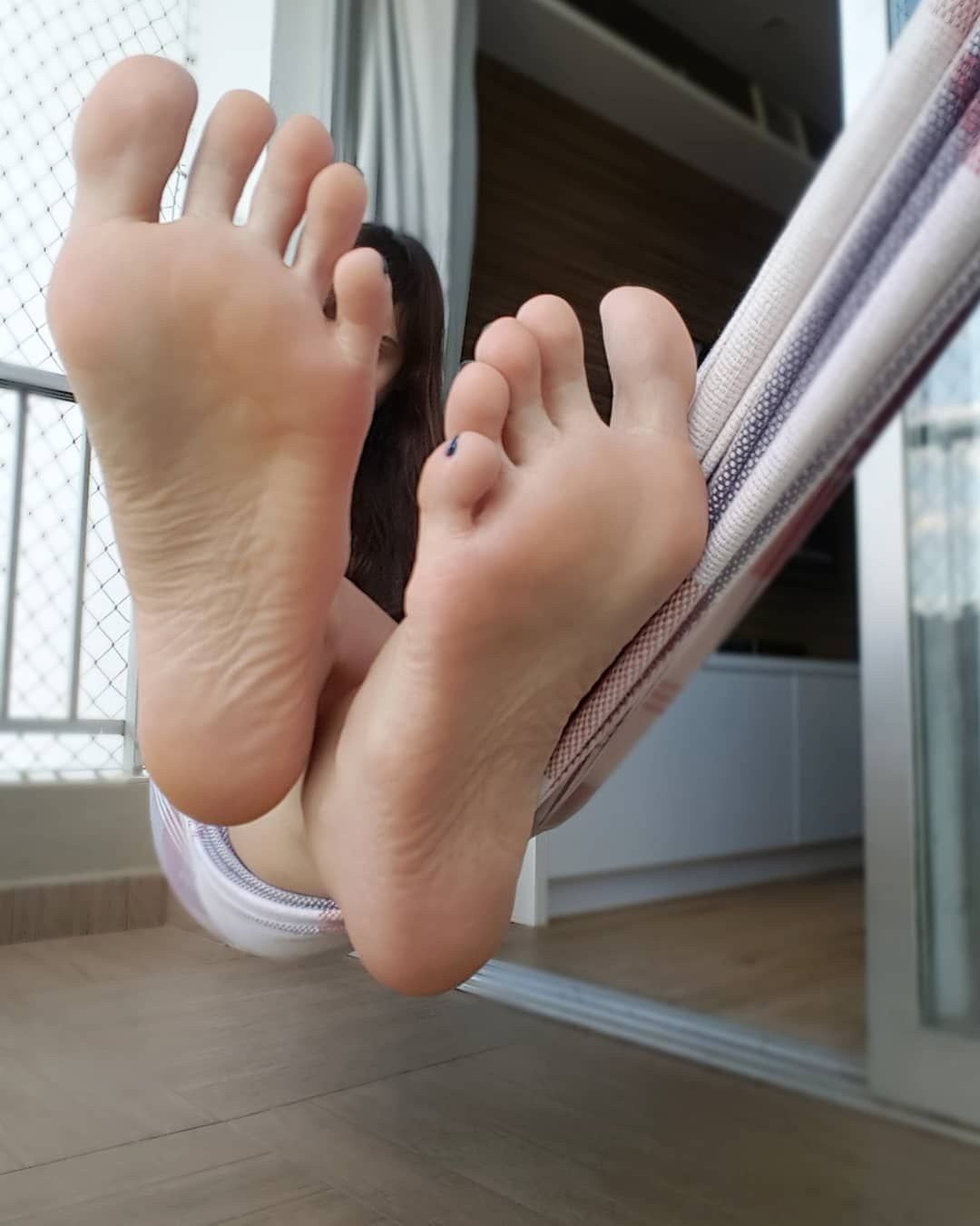 Woman loses toes 13