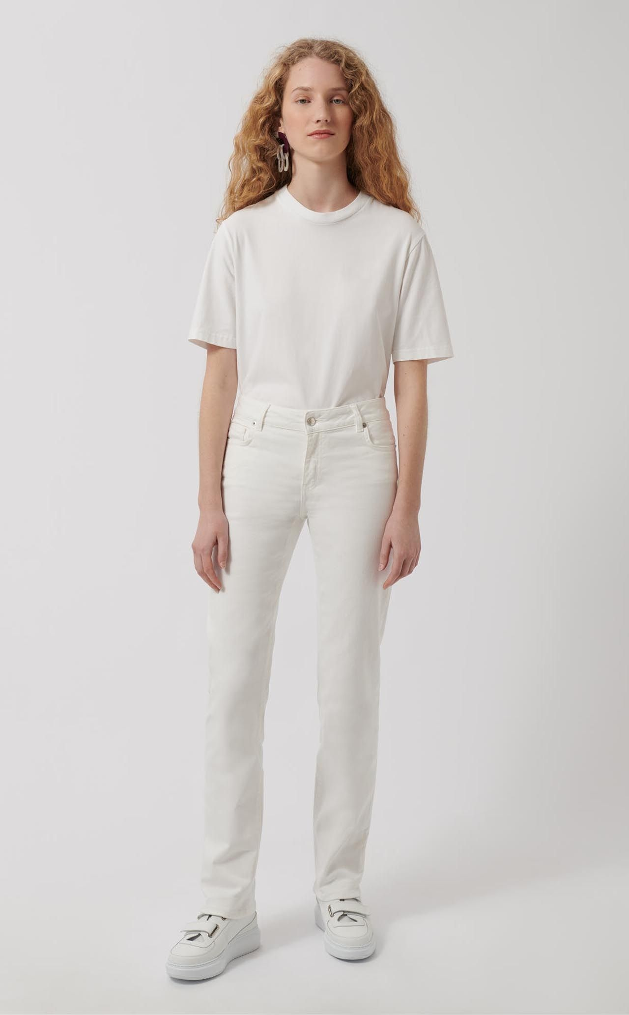 5b602ba3 2 Straight Pants White denim straight trousers. Five pockets. Front zipped  fly and button