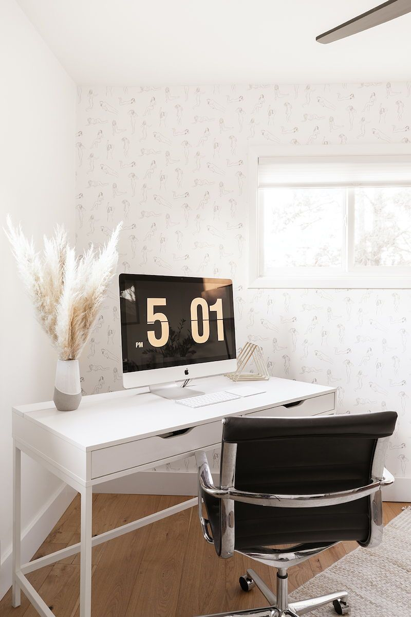 Anna Jacobs Takes Us Through Her Minimalist At Heart Aesthetic Home Office Design Minimalist Home Home Decor