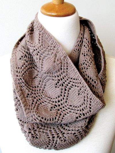 This Pretty Cowl Features A Love Heart Lace Pattern For The