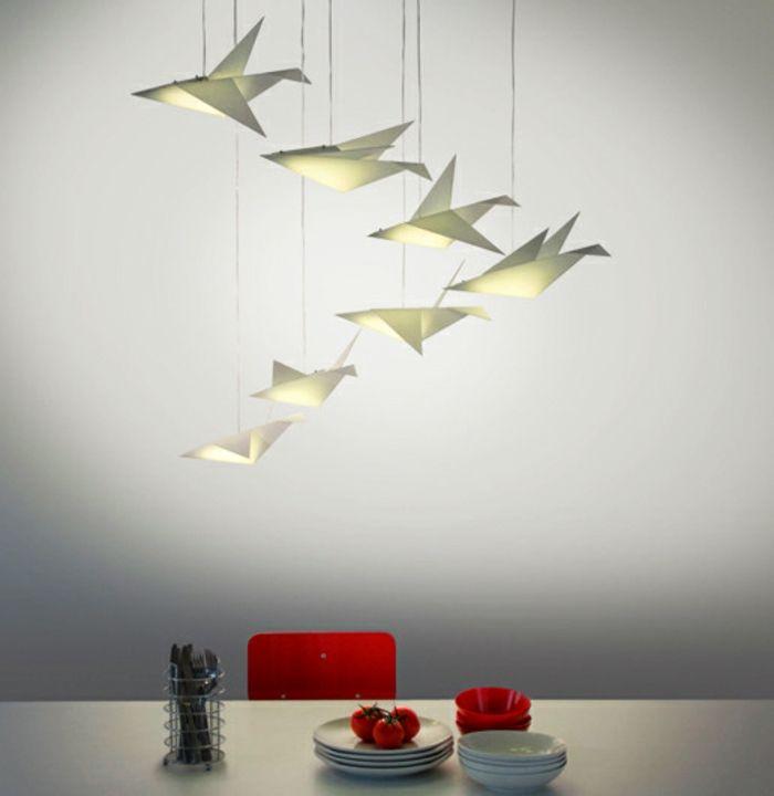 1001 projets diy super cool pour fabriquer un luminaire origami chaises rouges origami et. Black Bedroom Furniture Sets. Home Design Ideas