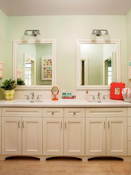 Idées déco pour une grande salle de bain classique pour enfant avec - salle de bains enfants