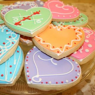Country Cupboard Cookies Blog: Pretty Decorated Heart Cookies for Valentine's Day