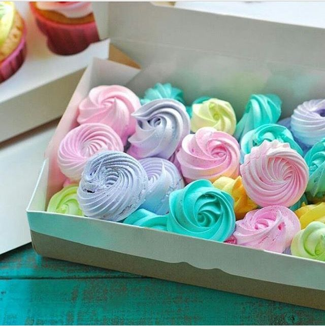 Pin By Bagina On Sladosti Easter Treats Meringue Cookies Icebox Cookies