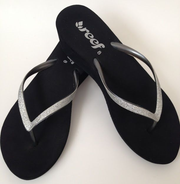32408c26f49 Reef Womens 8 M Flip Flops Sandals