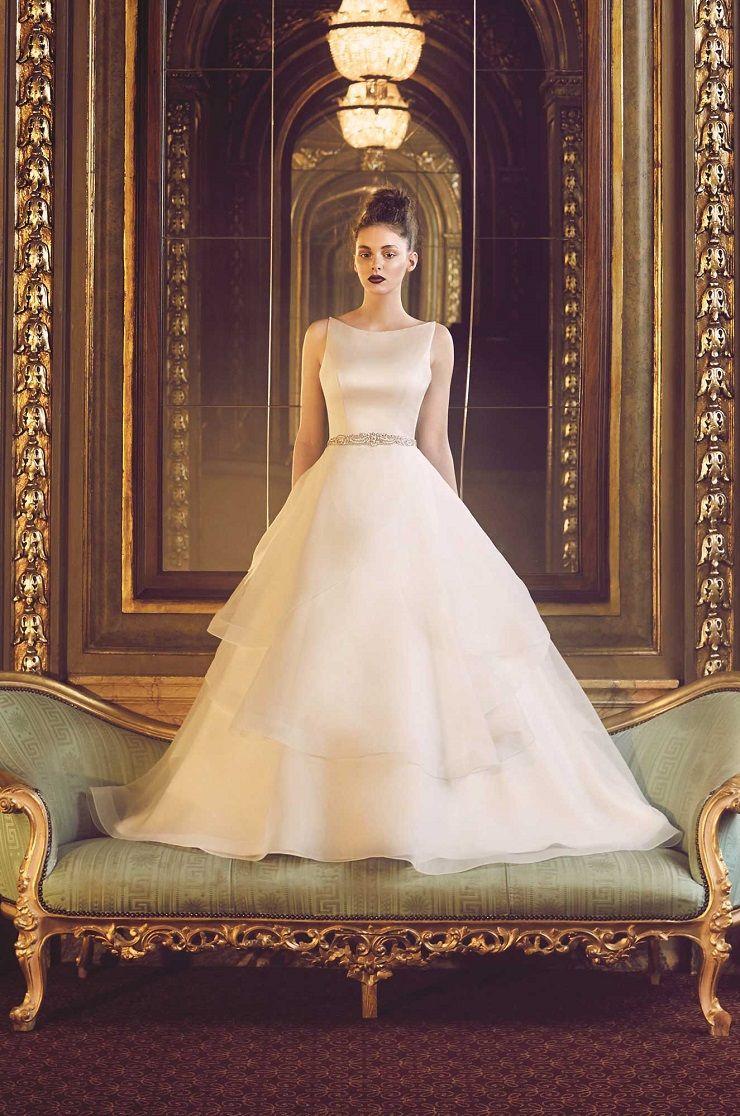 Paloma Blanca style 4715 wedding dress | Organza Wedding Dress | itakeyou.co.uk  #bridal #wedding #weddingdress #weddinggown #bridalgown #dreamgown #dreamdress #engaged #inspiration #bridalinspiration #weddinginspiration #weddingdresses
