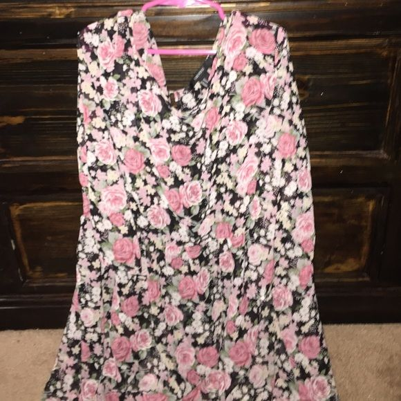 Floral dress Pink, green, white and black floral dress Forever 21 Dresses Long Sleeve