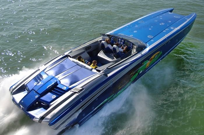 Nor-Tech 5200 This powerboat is available with a range of