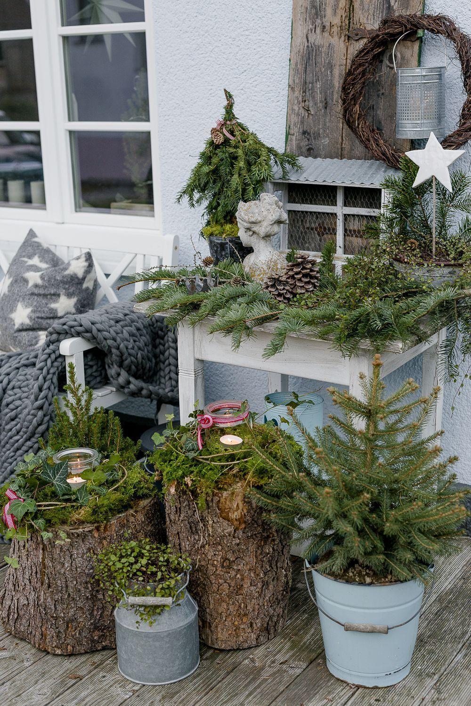 Magia de Navidad en el jardín de noviembre #hangingherbgardens Decoración del jardín de Navidad, pomponetti #garden #adventsdeko #weihnachten - sandy