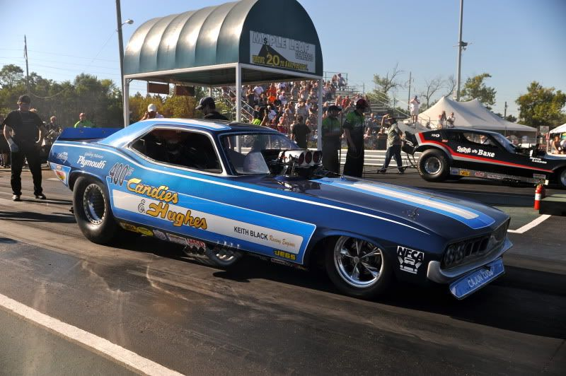 Classic Funny Car: Funny Cars New & Old