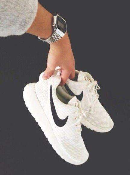 Nike Roshe Runs White With Black Tick