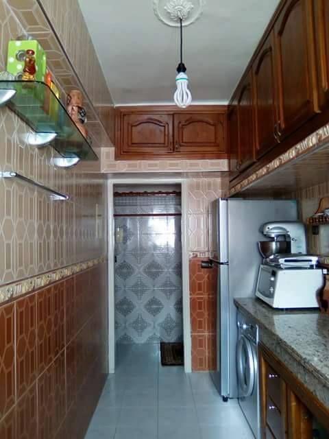 تصاميم كوزينات صغار من قلب البيوت المغربية للاستفادة موقع يالالة Yalalla Com عالم المرأة بعيون مغربية Kitchen Kitchen Cabinets Home