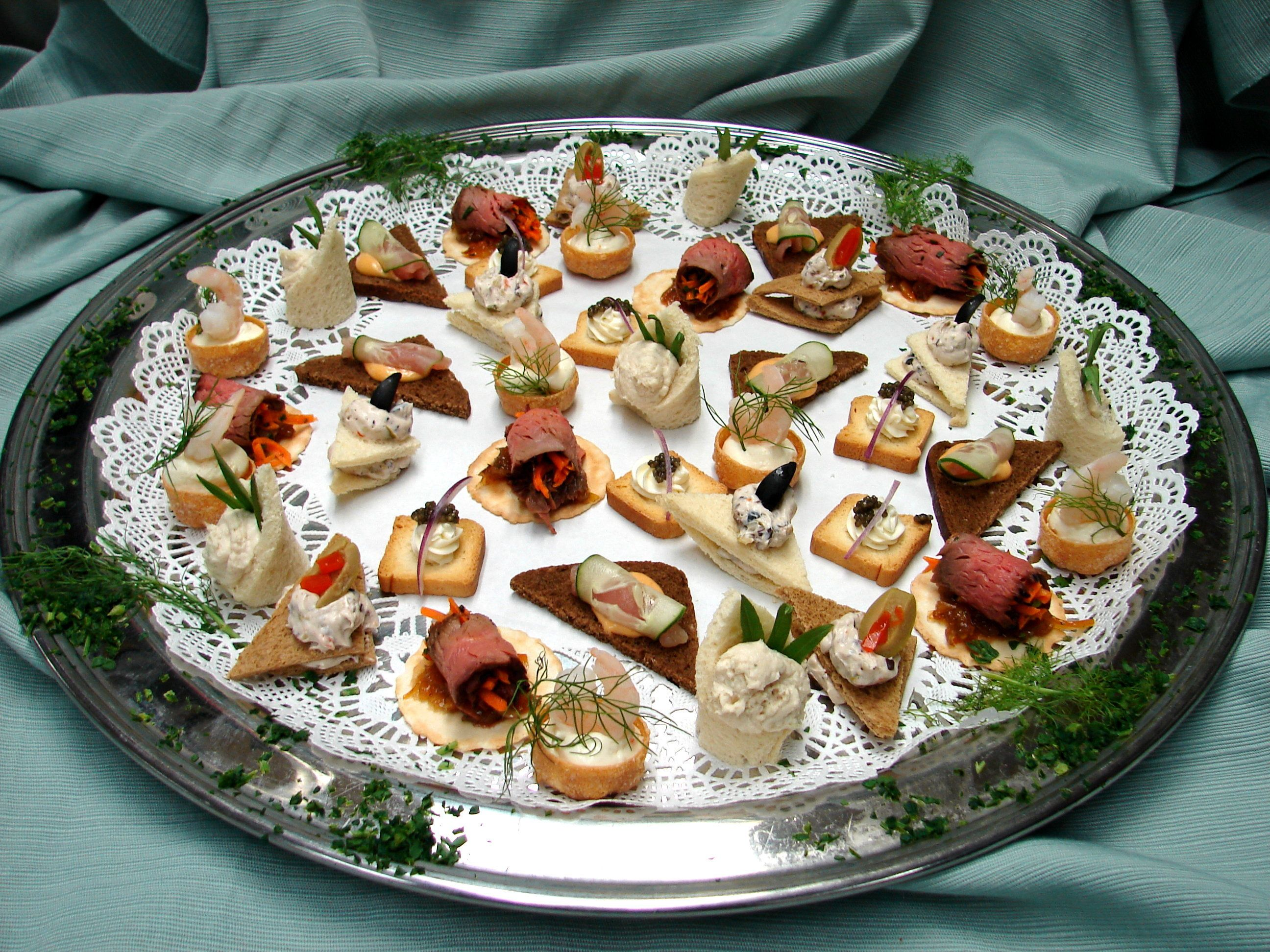 Monterey gourmet hot cold hors d 39 oeuvre lunch for for Gourmet canape ideas