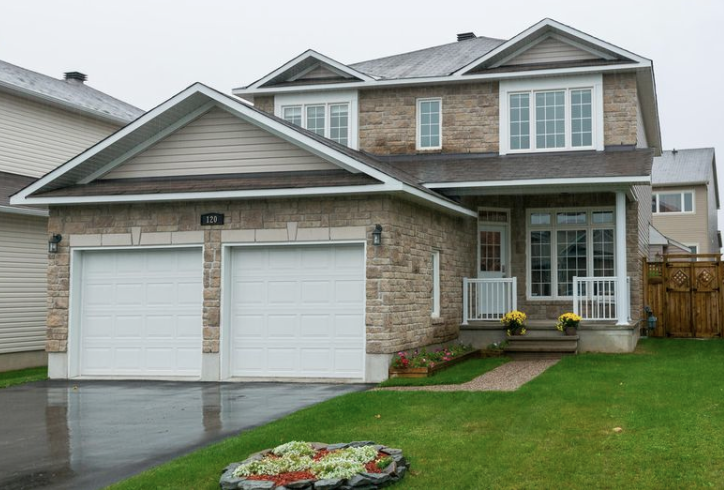 120 Topaze Cr, Rockland  Sold for 97.5% of asking price!