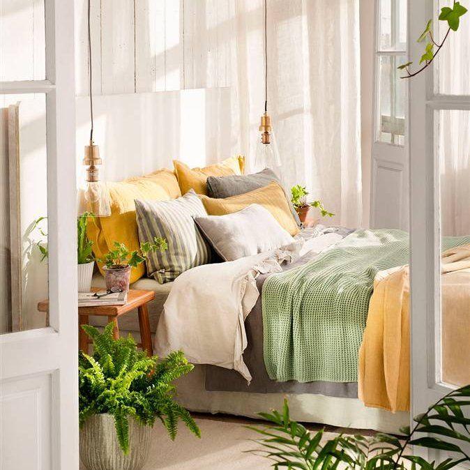 Dormitorio con ropa de cama en mostaza verde y gris - Ropa de cama matrimonio ...