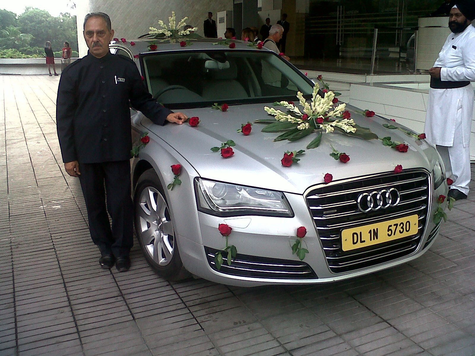 Your Special Day May Be A Dream Car We Make Sure It S Perfect With Wedding Car Hire Delhi Book A Luxu Wedding Car Hire Luxury Car Rental Car Hire