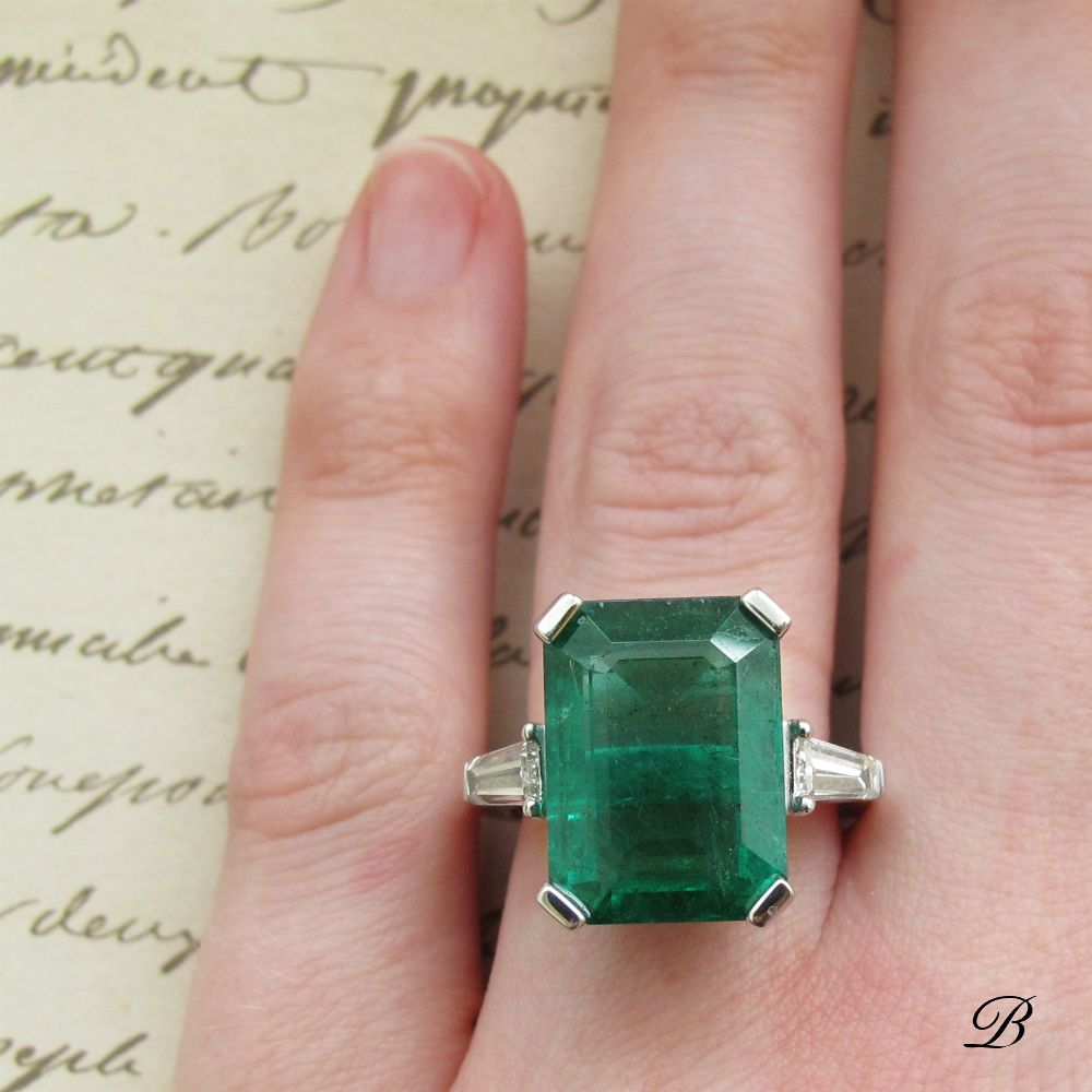 An 11ct Emerald Is The Star Of This Vintage Inspired Ring Vintage Inspired Rings Emerald Ring Design Triangle Ring