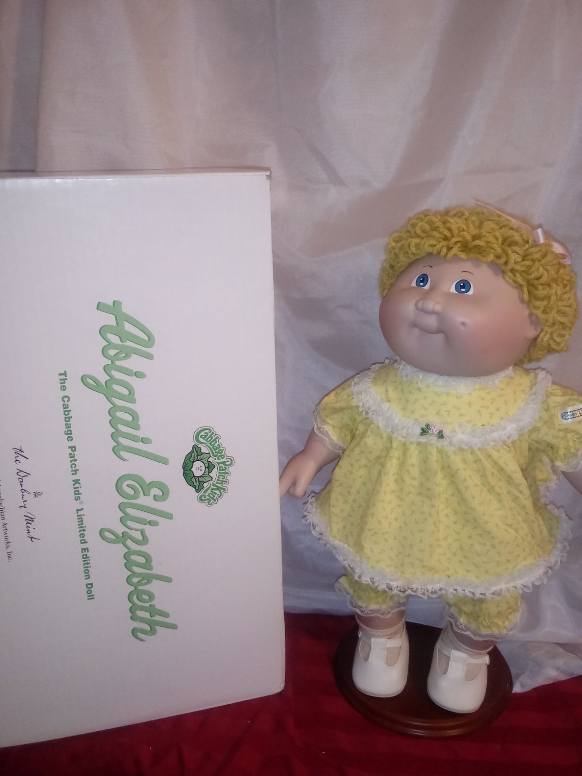 Limited Edition Cabbage Patch Collector Doll Abigail Elizabeth Condition Is Like New No Damages N Cabbage Patch Kids Cabbage Patch Kids Dolls Popular Toys
