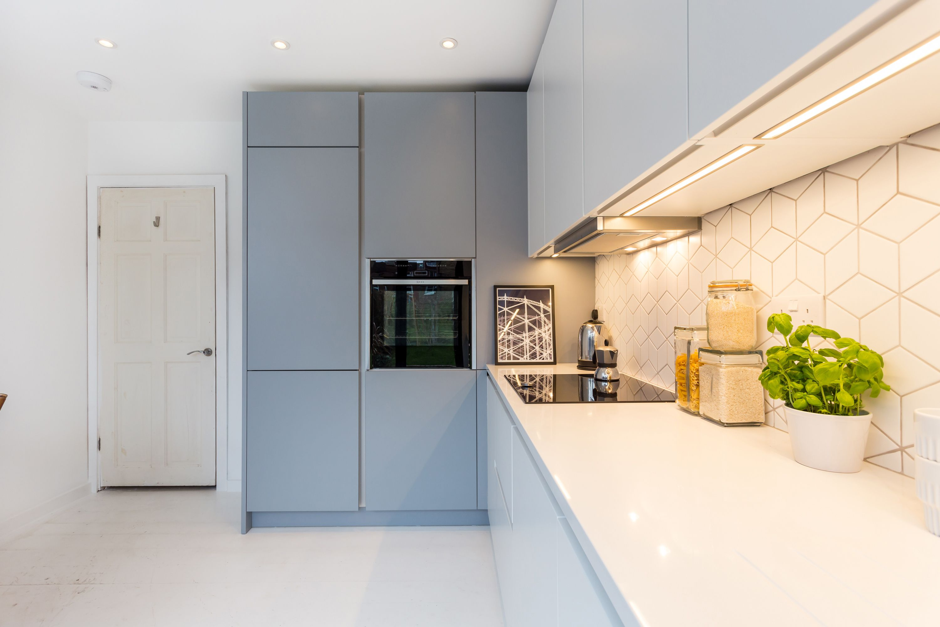 A beautiful Nolte Soft Lac Handleless kitchen in Papyrus