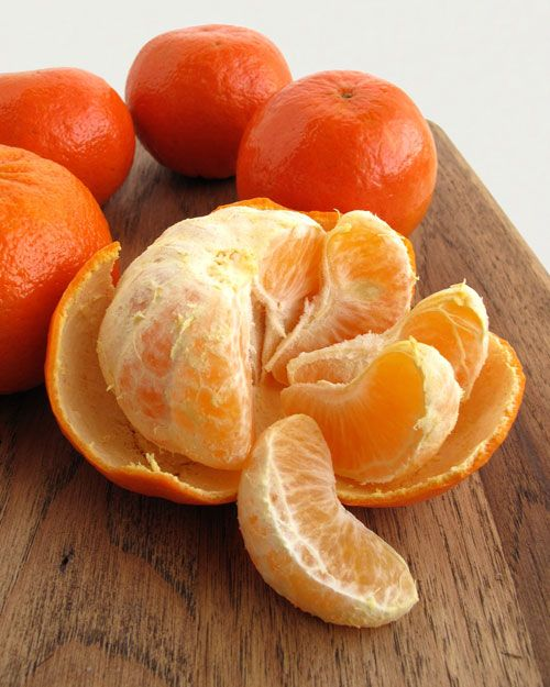In Season: Peak season for tangerines lasts from October to April. They are occasionally available during the rest of the year but are best enjoyed in season. What to Look For: A good tangerine is firm or slightly soft, and feels heavy for its size. Choose tangerines with smooth, bright-orange, unblemished skin. How to Store: Tangerines will keep in the refrigerator for up to two weeks.