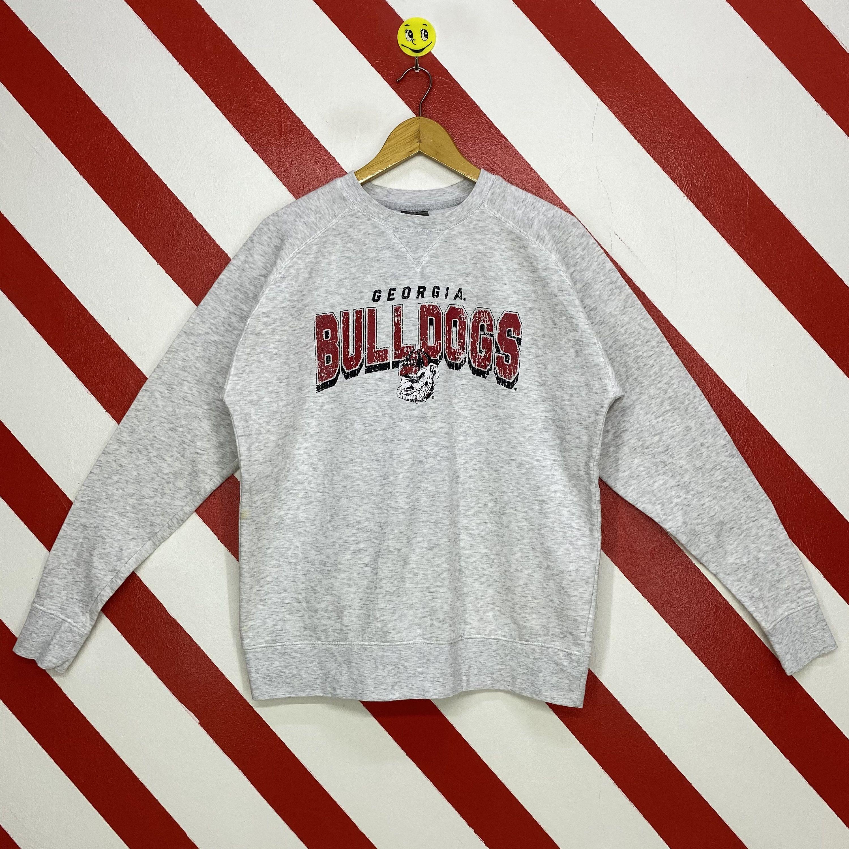 Vintage Georgia Bulldogs Sweatshirt Georgia Bulldogs Crewneck Etsy In 2021 Bulldog Sweatshirt Sweatshirts Long Sleeve Tshirt Men [ 3000 x 3000 Pixel ]