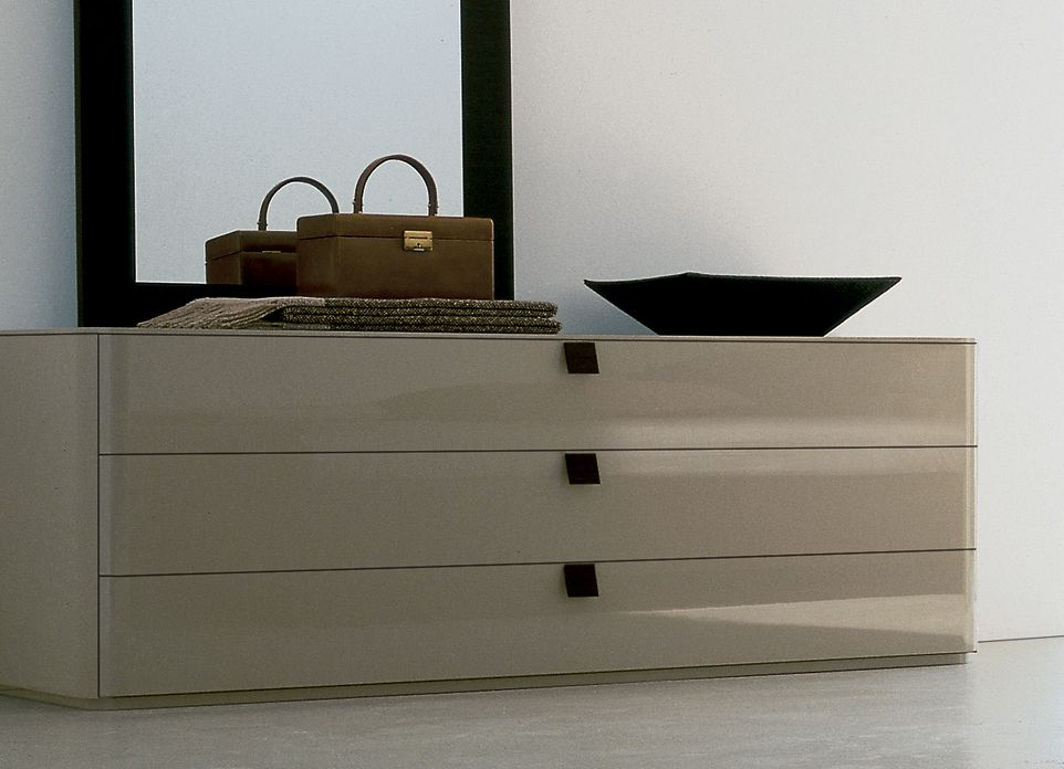 Jesse Defile Chest Of Drawers