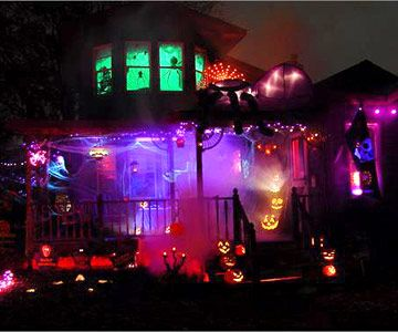 47 Easy Halloween Decorations To Make Right Now Halloween Outdoor Decorations Outdoor Halloween Halloween House