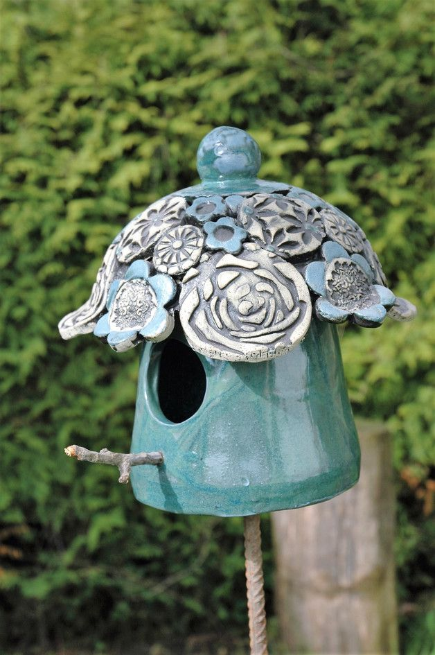 Vogelhaus idees maisons keramik v gel keramik t pfern for Gartenfiguren aus keramik