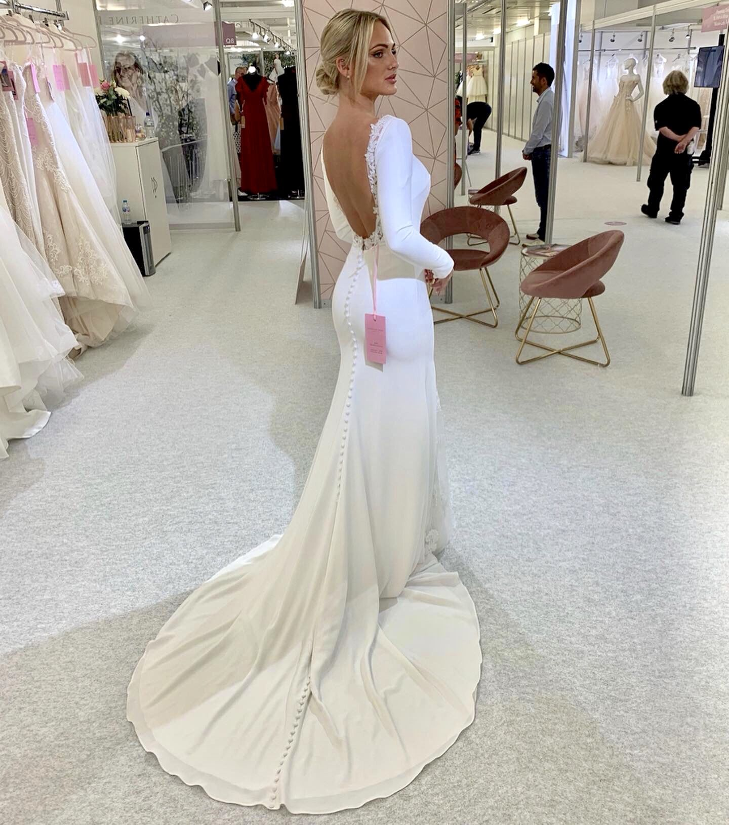 Crepe Wedding dress with sleeves and low back Wedding