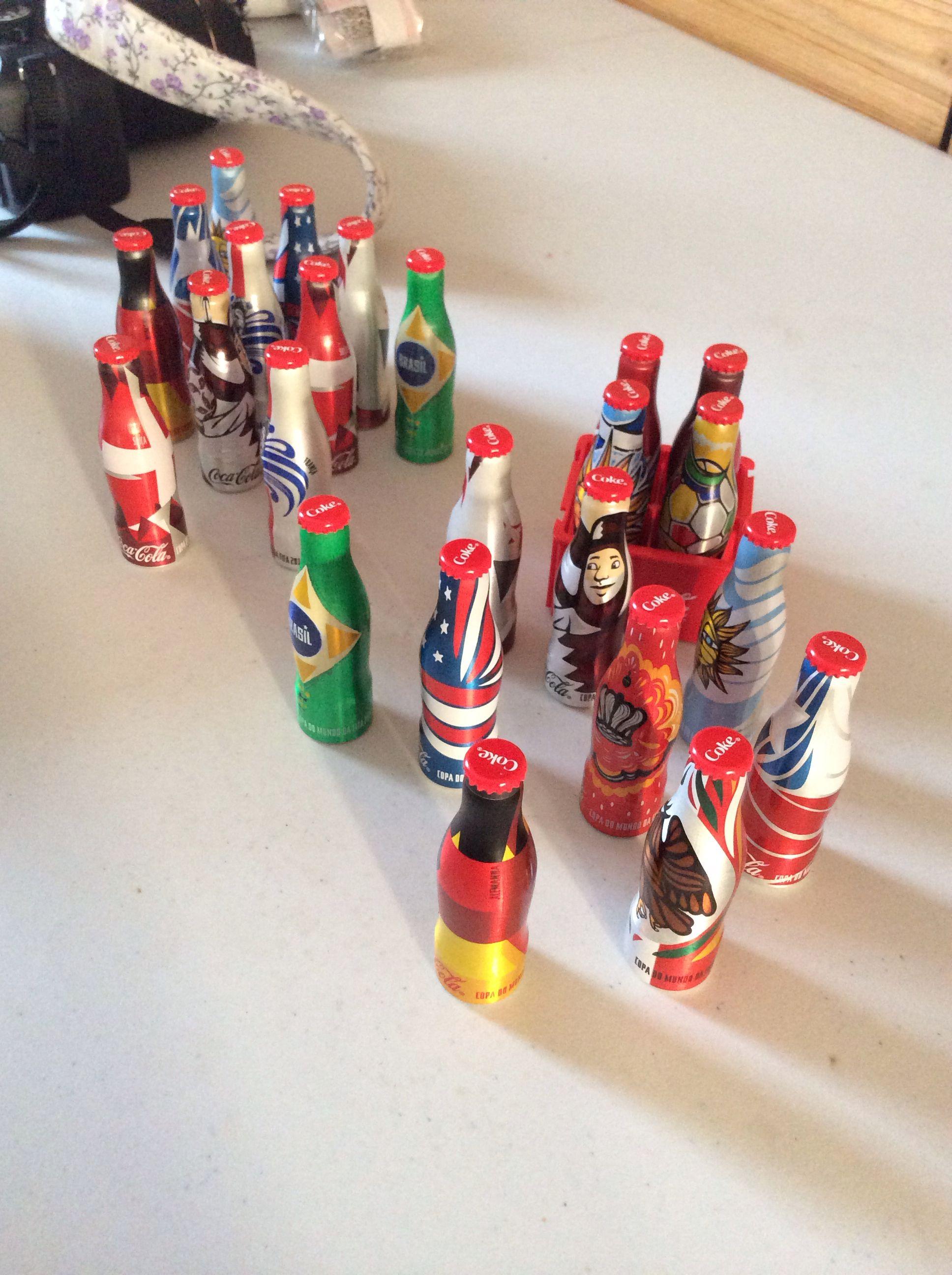 Coleção mini garrafinhas da Copa FIFA 2014