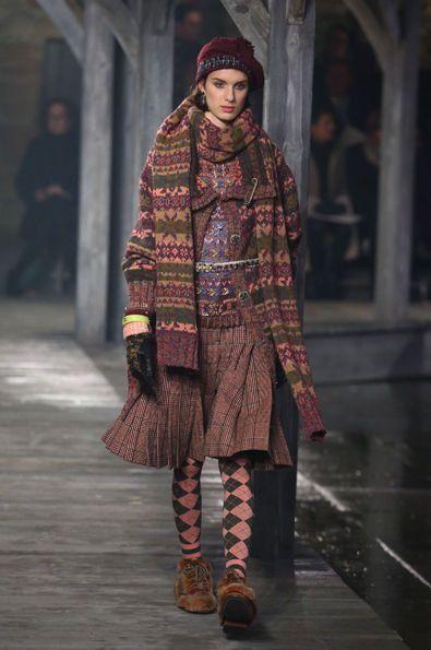 Chanel: Metiers d'Art - Show
