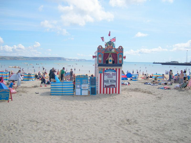 This lovely seaside town has all the ingredients to make the perfect holiday whether you are a family, group of friends or a loved up couple. To view all our holiday cottages in Weymouth visit www.dream-cottages.co.uk