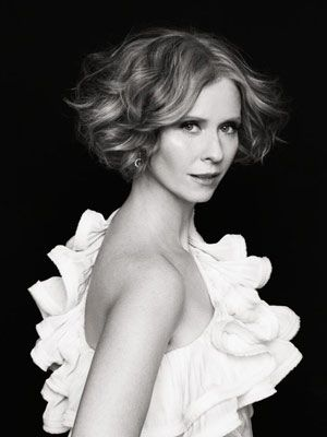 Cynthia Nixon, Sex and the City again love both the hairstyle and dress.