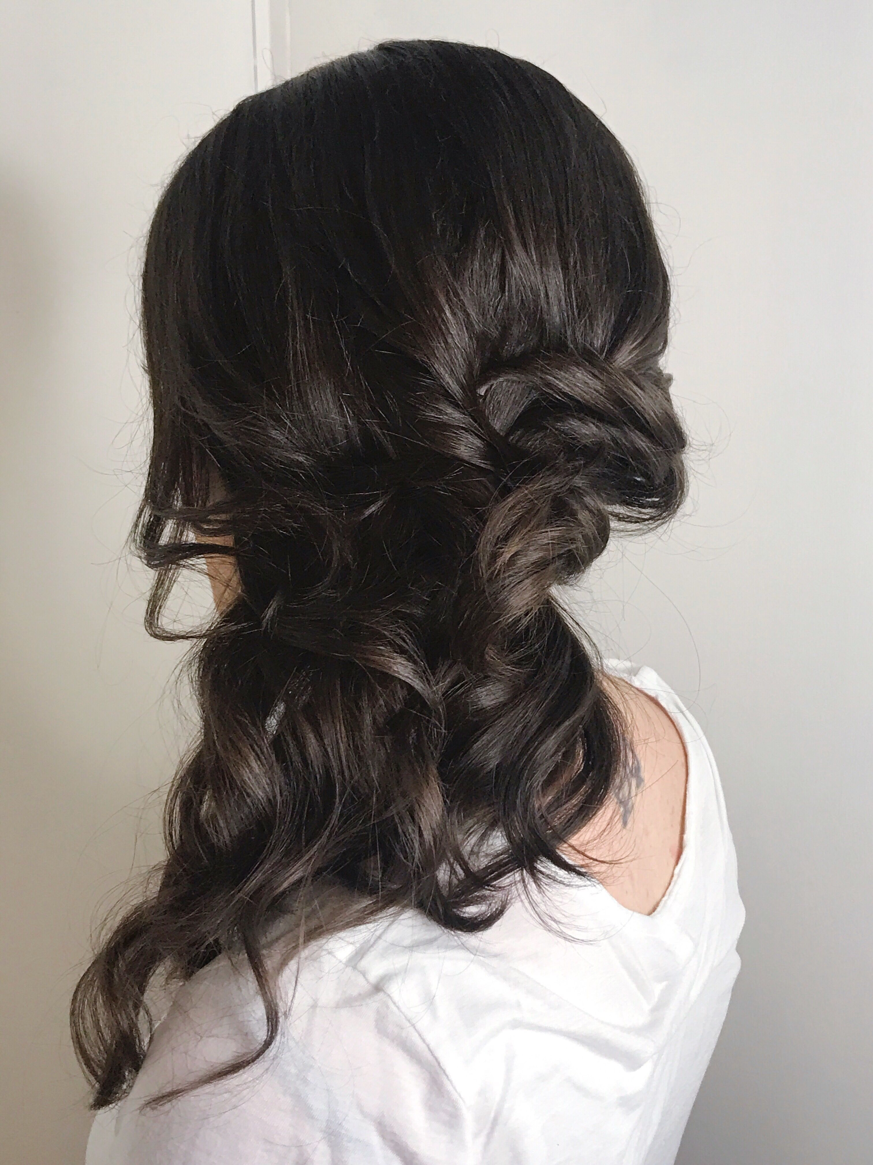 Effortless Bridal Hair For Summer Wedding Messy Updo Half Up