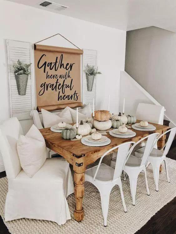 Farmhouse Style Dining Room Decorating Ideas
