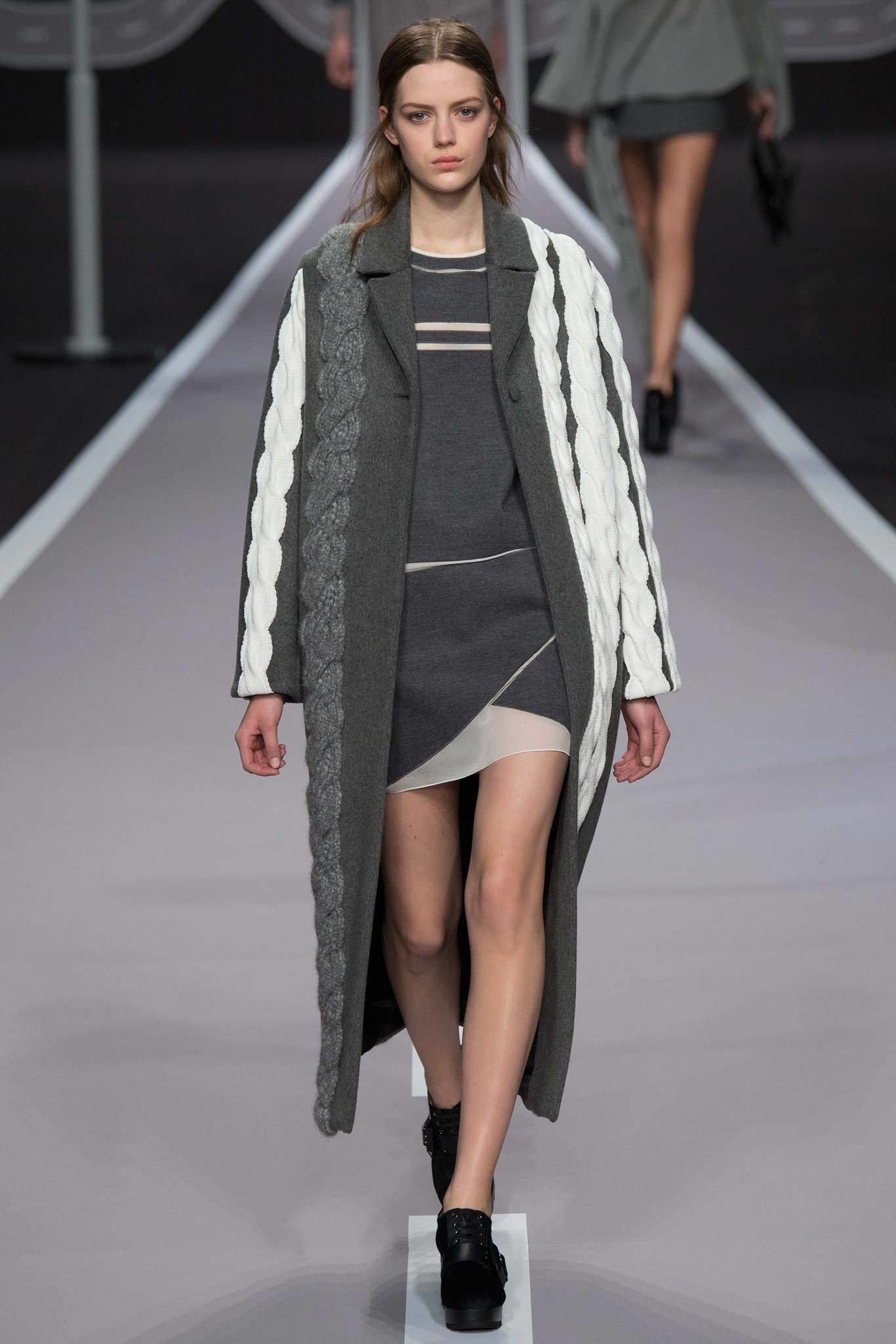 Viktor & Rolf Fall 2014 Ready-to-Wear Collection Photos - Vogue