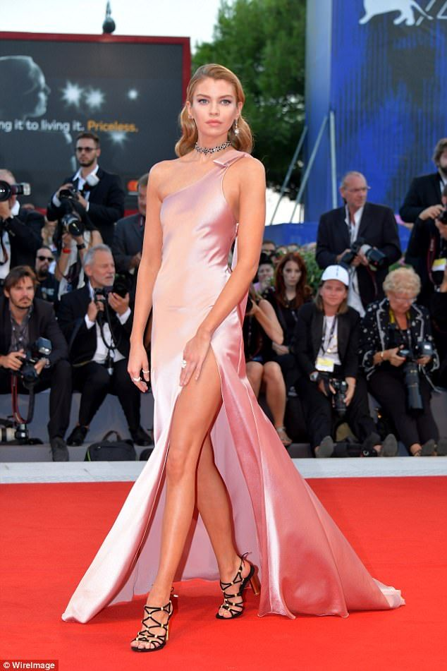 Glamorous Stella Maxwell showcases her flair for fashion at VFF ...