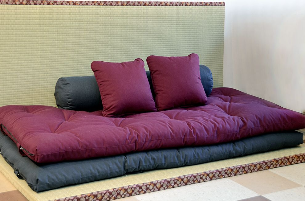 The Shikibuton Japanese Futon Is A Traditional Bed Usually Used On Tatamis And Folded During Day To Be D Cotton Compresses Over Time