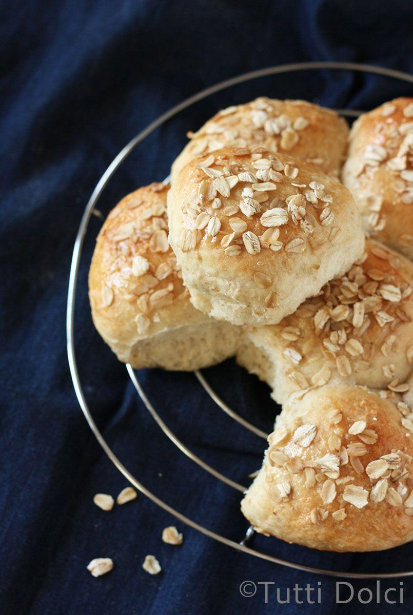 Honey-Oatmeal Rolls | Tutti Dolci