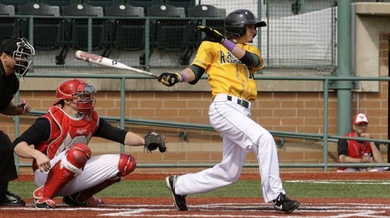 Baseball Rolls To 17 6 Win Over Otterbein Baseball Otterbein Baseball Team