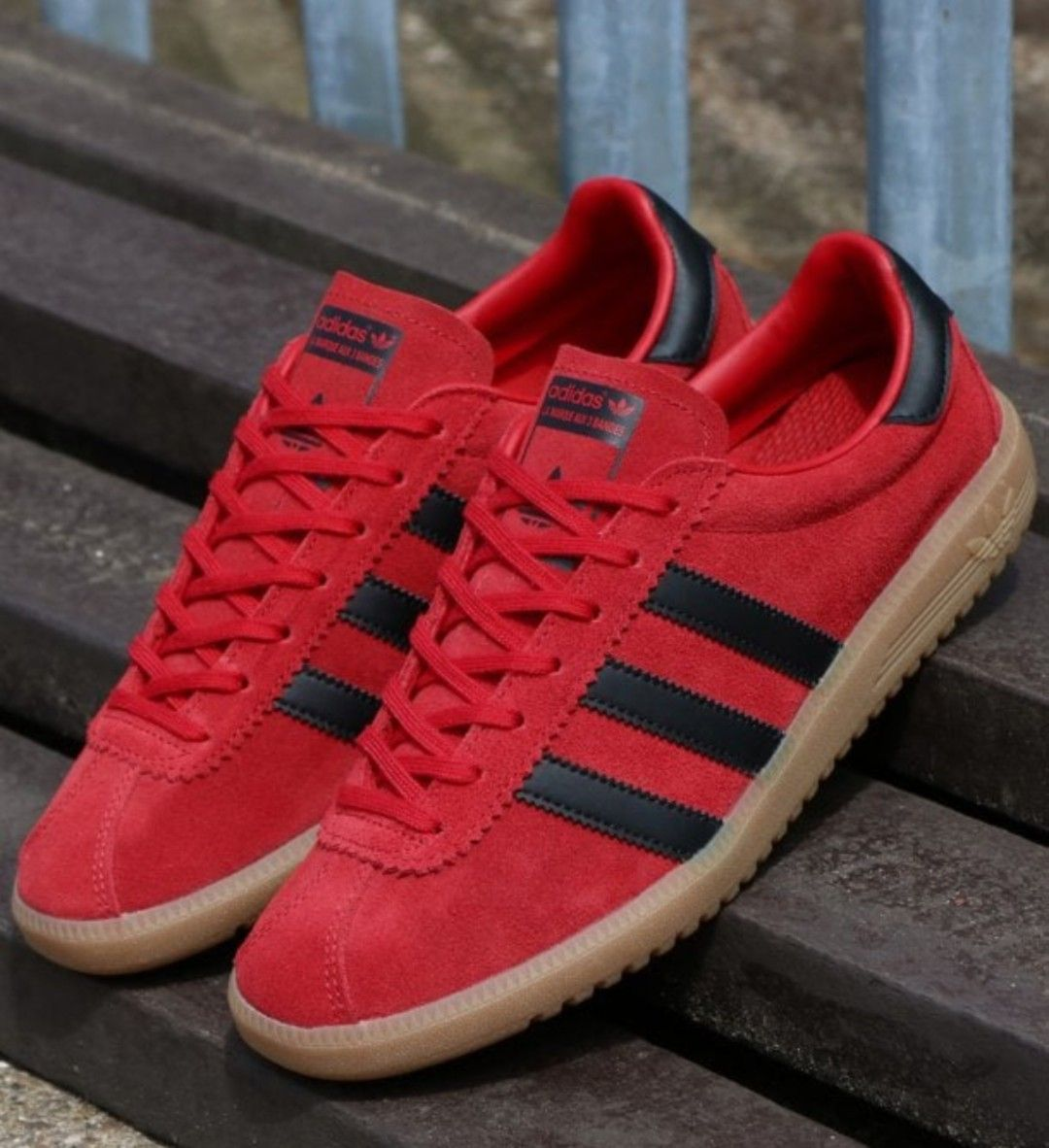 Lovin' this colourway in the Bermuda - plenty available still as ...