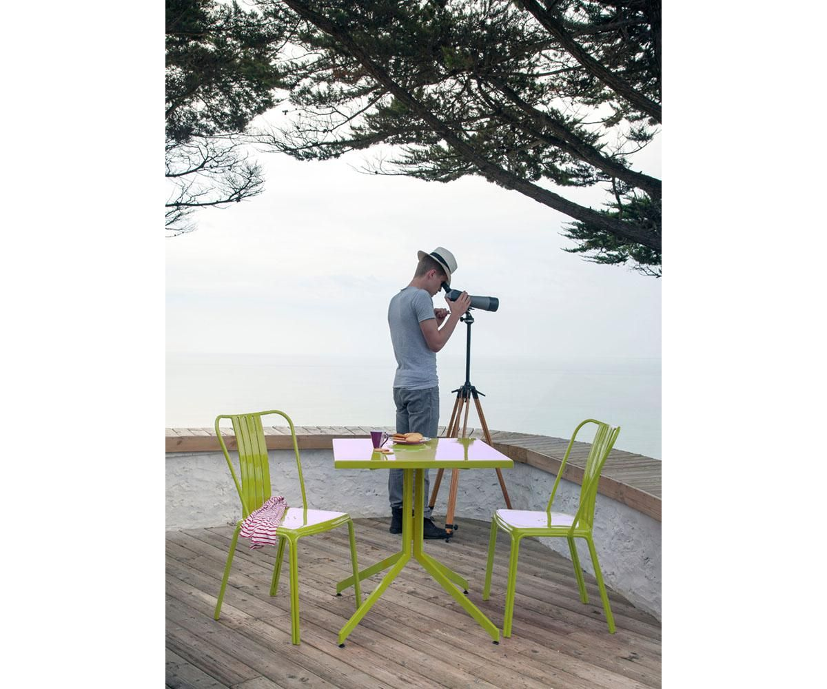 Table de jardin en aluminium GUERIDON URBAN coloris Lime - Maison ...