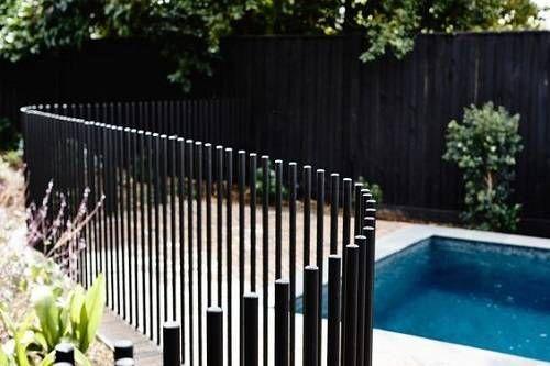 13 neueste und elegante Schmiedeeisen Pool Zaun Ideen