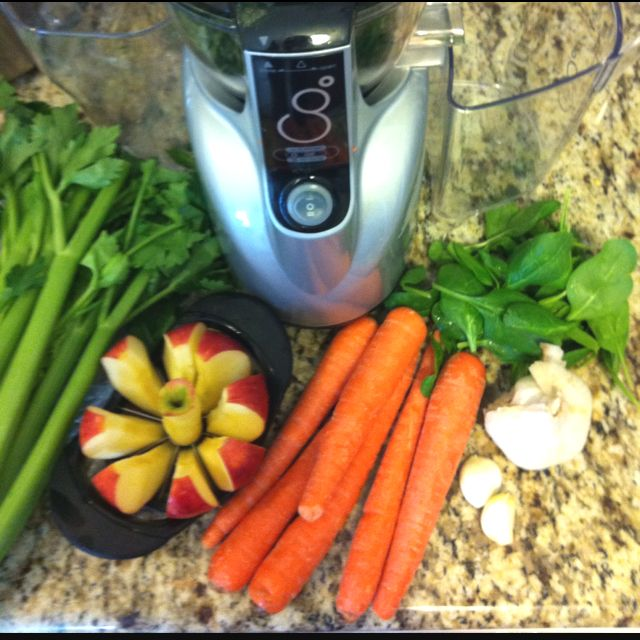 Cold and Flu remedy: 1 apple 6 carrots 2 celery stalks 2 garlic cloves  1/4 cup of spinach