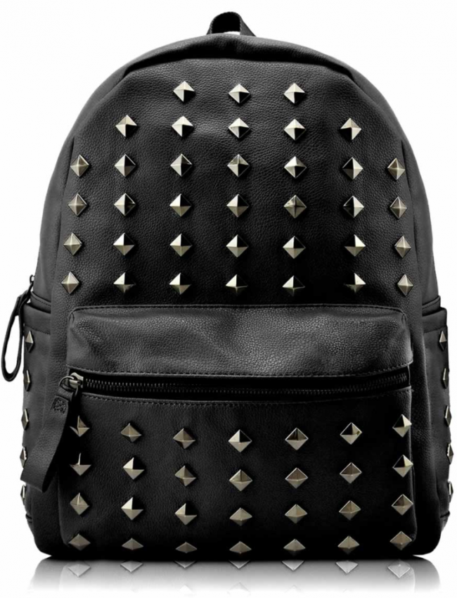 Mochila Piel Tachas Negra. Mochila unisex de piel sintética adornada con  tachas piramidales. eb0f283a8d4