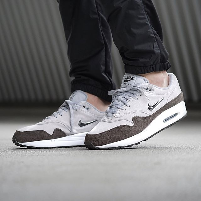 We have just received a re-stock of the @nikesportswear Air Max 1 Premium