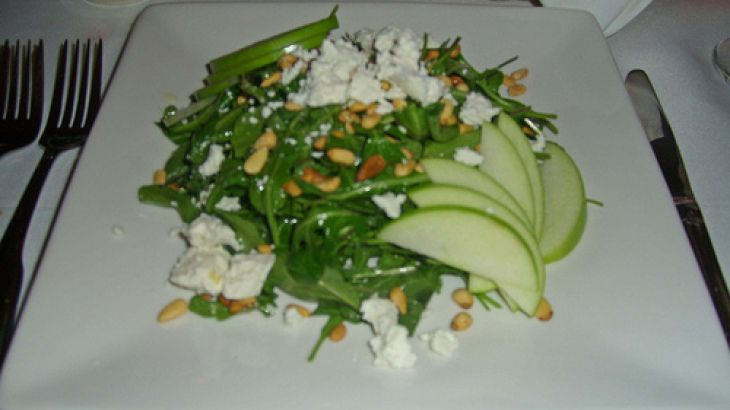 Apple and Goat Cheese Salad - leave out the garlic!