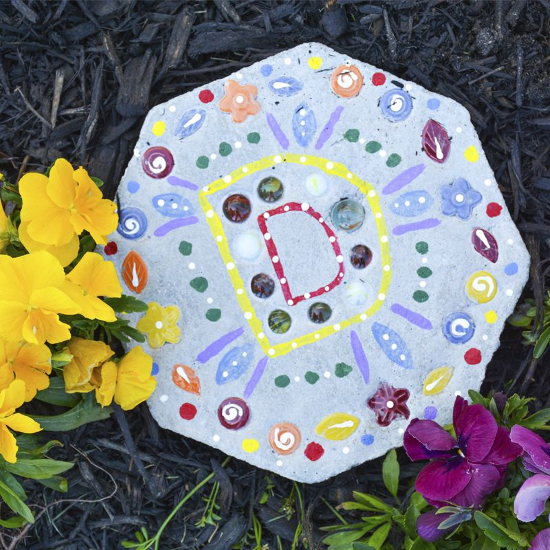 Kids Crafting Ideas Part - 18: DIY Stepping Stone - Kids Crafts For Fatheru0027s Day - Easy Gifts For Motheru0027s  Day -