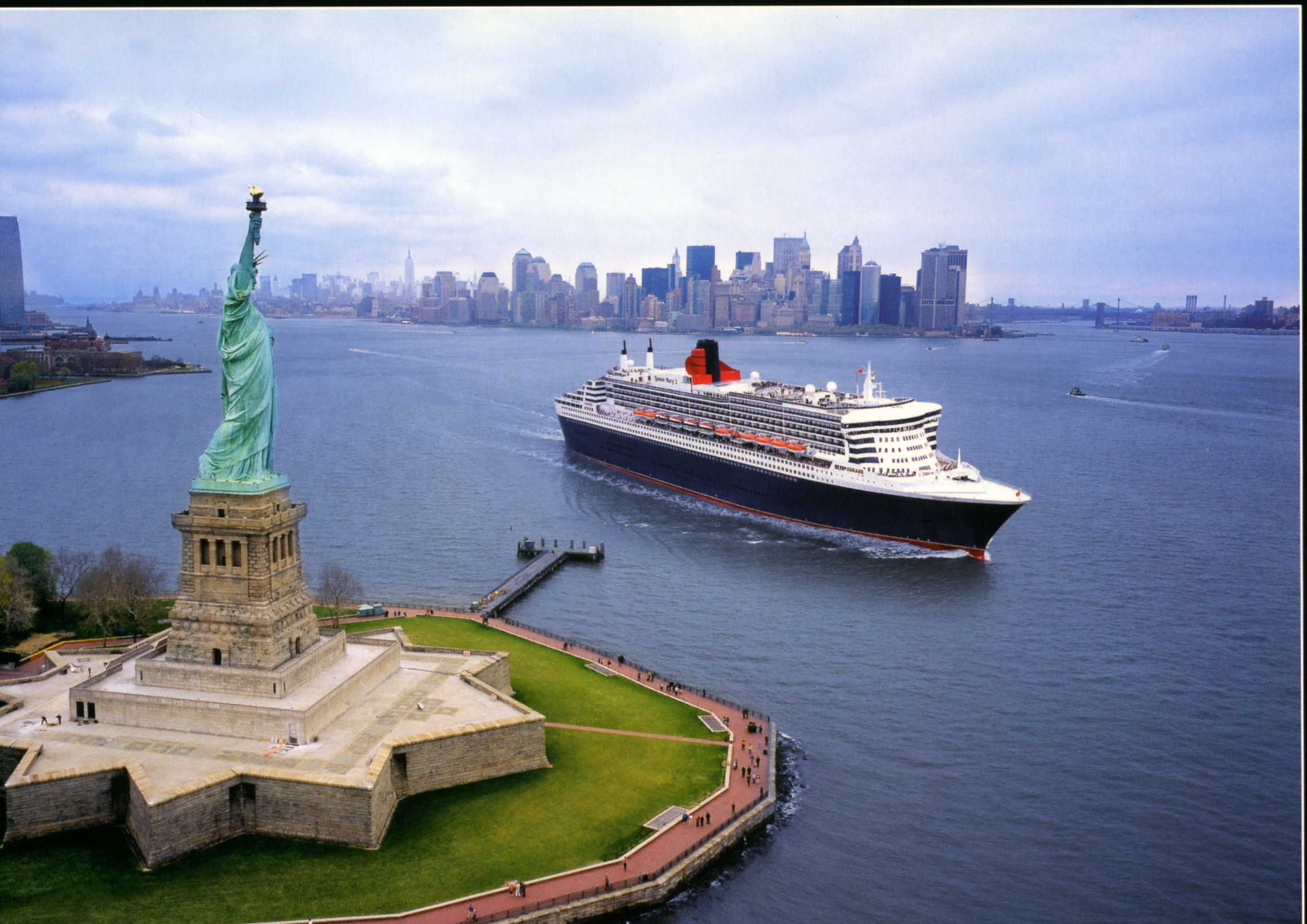 Cunard's Queen Mary 2. Transatlantic crossing for 25th