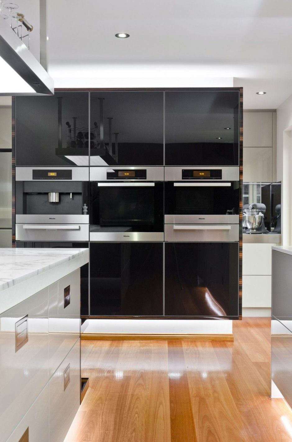 Simplicity Gold Coast Kitchen Design by Darren James Interior Styles ...